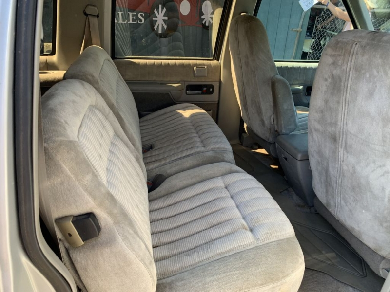 CHEVROLET SUBURBAN 1993 price Call for Pricing.
