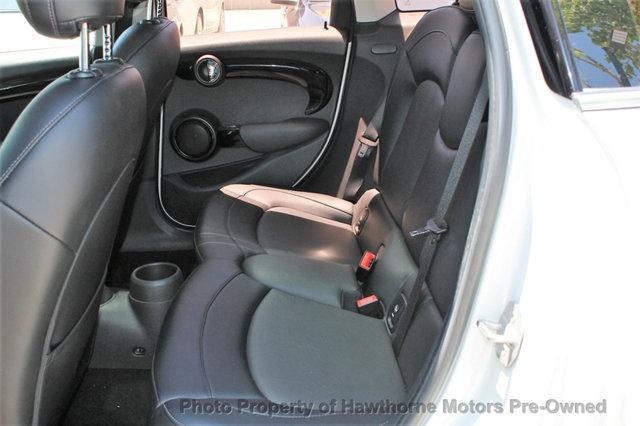 MINI Cooper Hardtop 4 Door 2015 price $11,988