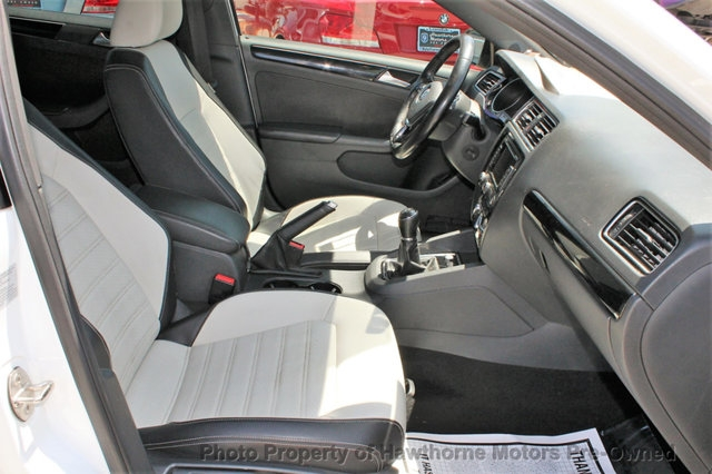 Volkswagen Jetta Sedan 2015 price $9,995