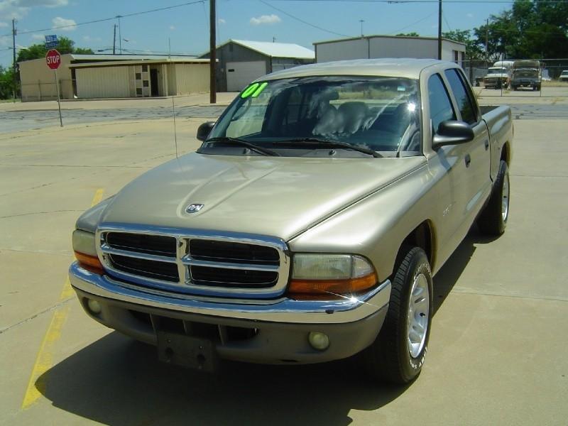 File on 2001 Dodge Dakota Sport Quad