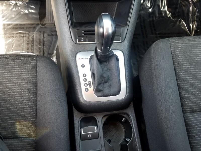 Volkswagen Tiguan 2015 price $17,400
