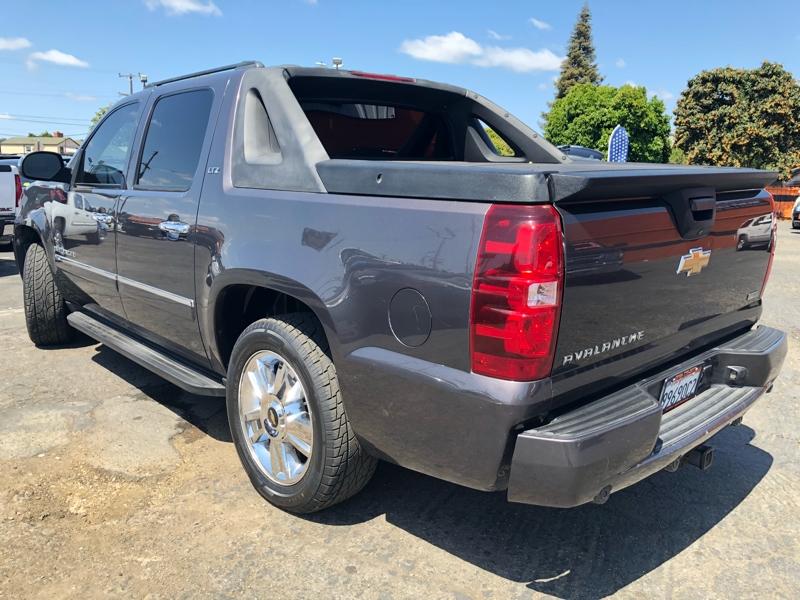 Chevrolet Avalanche 2010 price $19,999