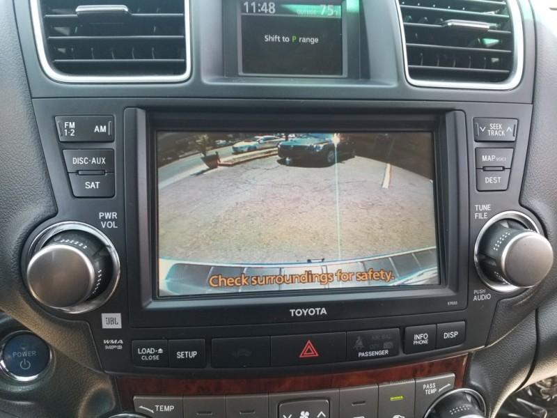Toyota Highlander Hybrid 2012 price $19,995