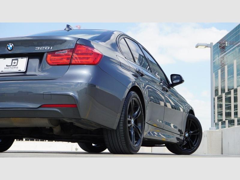 BMW 3 Series 328 i Sedan 2013 price $16,475