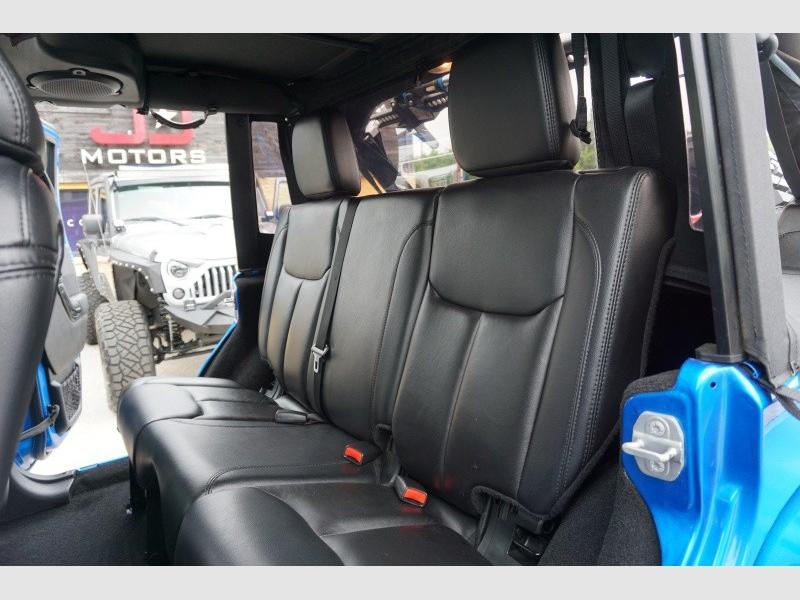 Jeep Wrangler Unlimited 2014 price $32,998