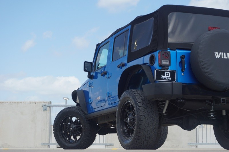 Jeep Wrangler Unlimited 2015 price $27,995