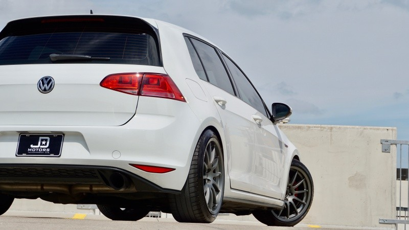 Volkswagen Golf GTI 2015 price $24,995
