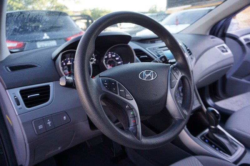 Hyundai Elantra 2016 price $9,998