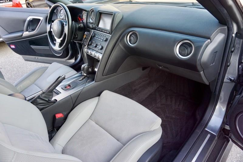 Nissan GT-R 2009 price $59,995