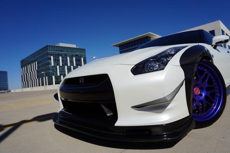 Nissan GT-R 2009 price $69,995