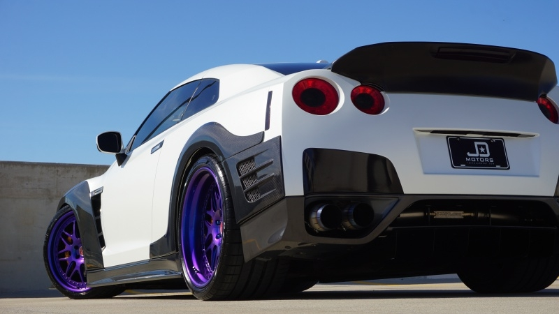 Nissan GT-R 2009 price $69,995