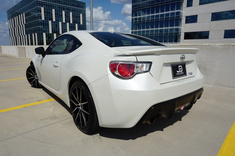 Scion FR-S Limited 2015 price $16,995
