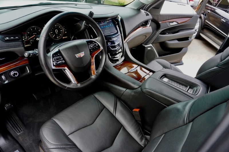 Cadillac Escalade 2015 price $42,995