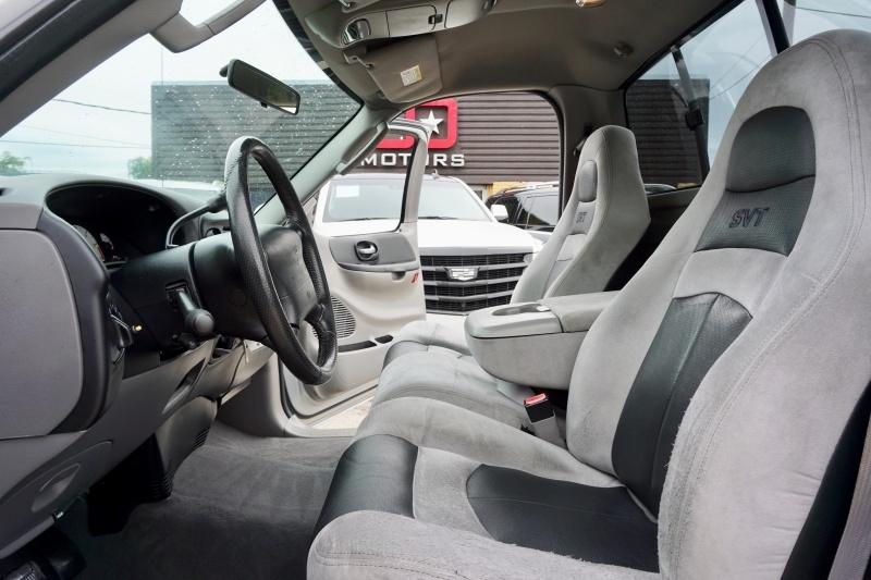 Ford F-150 SVT Lightning 2004 price $18,995