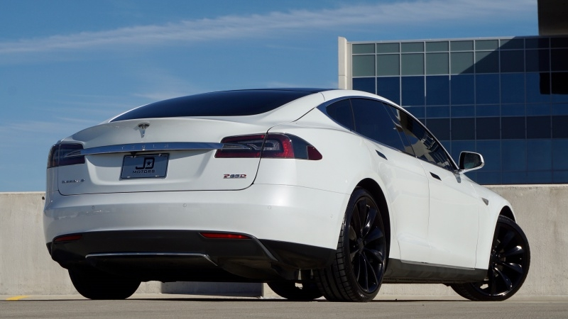 Tesla Model S P85D AWD 2015 price $57,998
