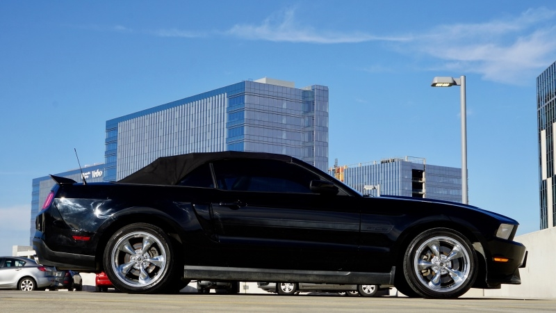 Ford Mustang 2011 price $17,995