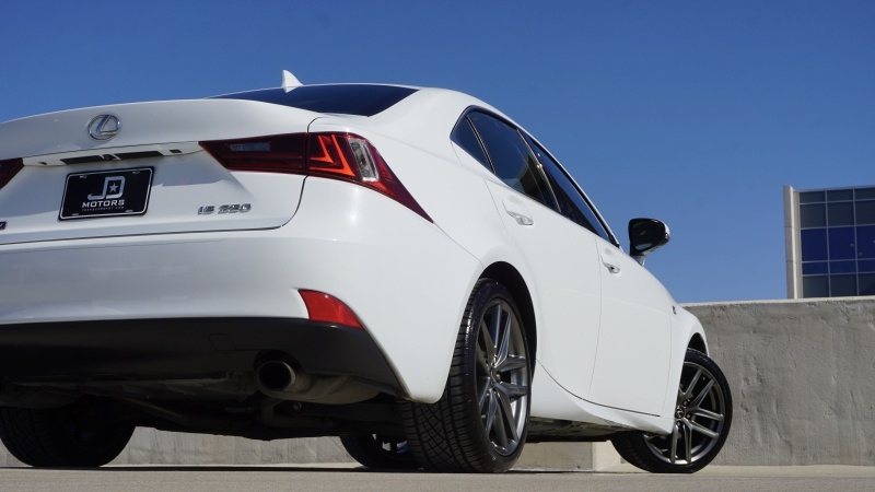 Lexus IS 250 2015 price $22,995