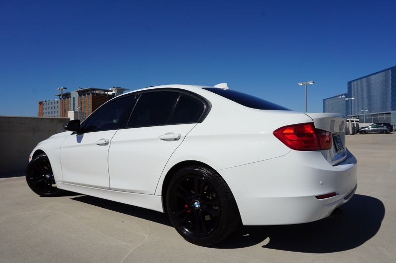 BMW 3 Series 328i Sedan 2012 price $14,700