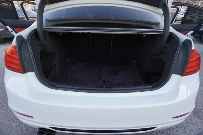 BMW 3 Series 328i Sedan 2012 price $14,700