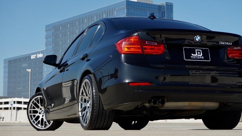 BMW 3 Series 328i Sedan 2012 price $12,500