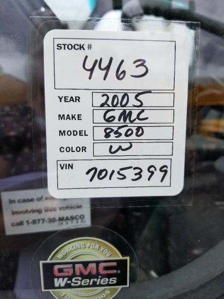 GMC W4500 2005 price $7,500