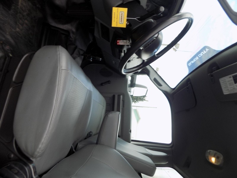 Ford F650 XL 2015 price $18,500