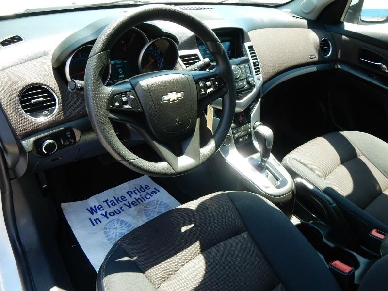 Chevrolet Cruze 2015 price $8,750