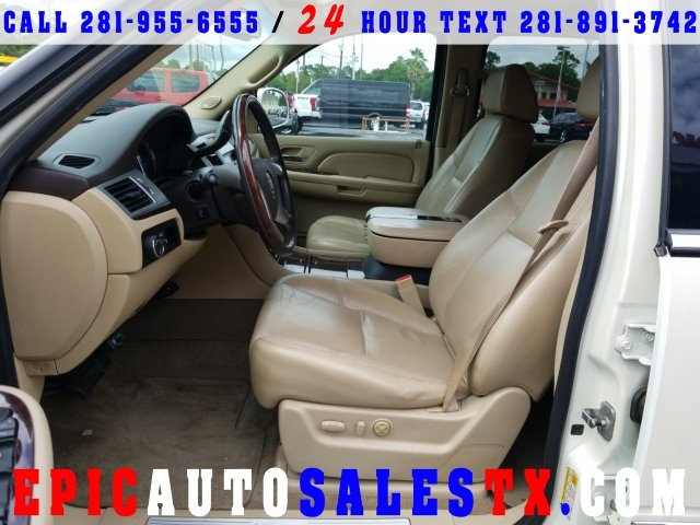 Cadillac Escalade E 2009 price $11,900