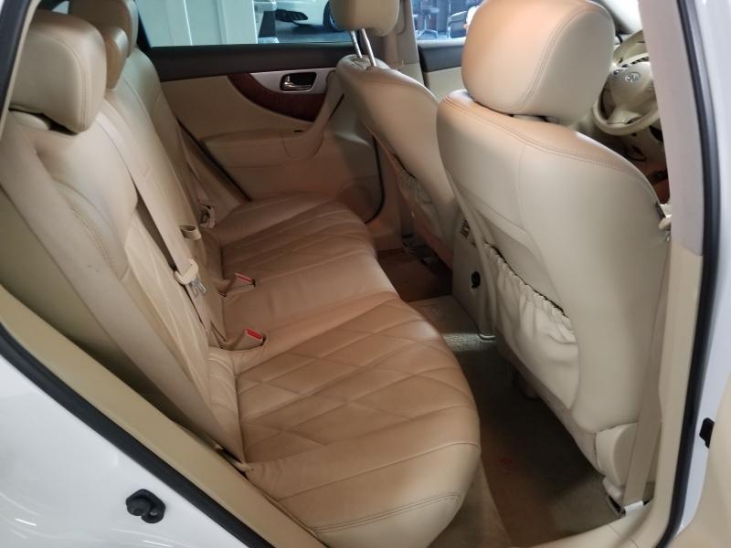 INFINITI QX70 2015 price $20,000