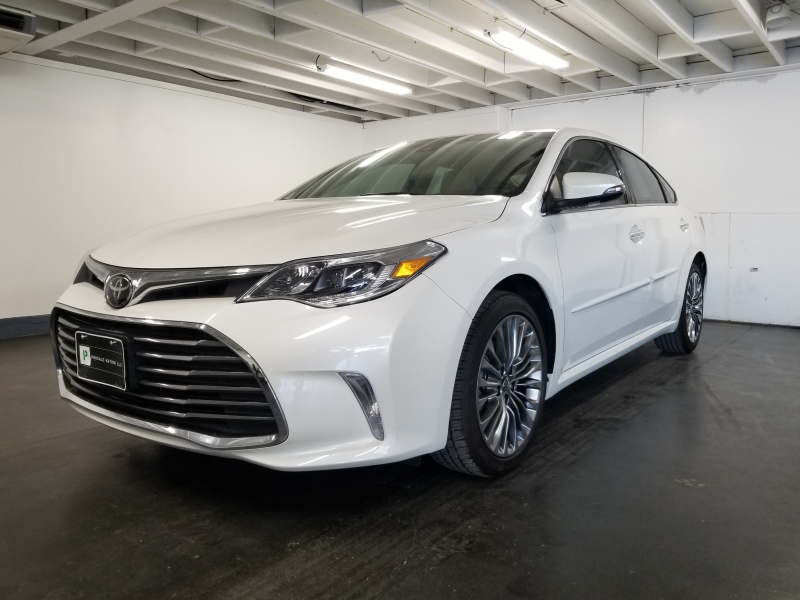 Toyota AVALON LIMITED NAVIGATION/LOW MILES 2017 price $27,000