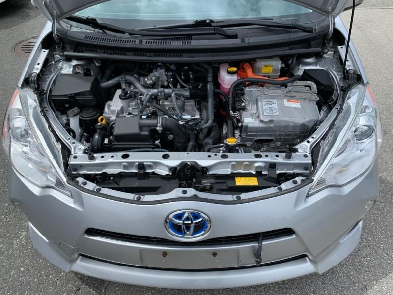 Toyota Prius c 2013 price $14,700
