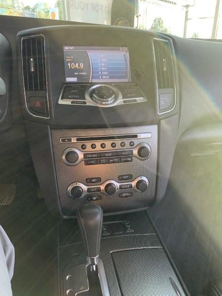 Nissan Maxima 2011 price $10,395