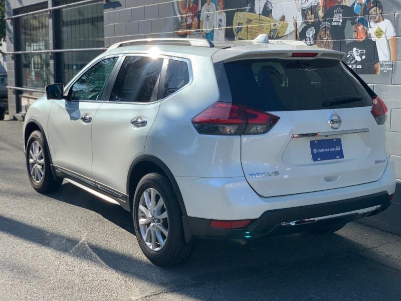 Nissan Rogue 2017 price $27,595