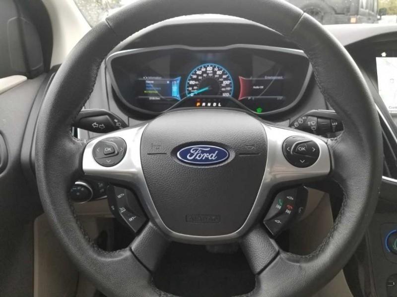 Ford Focus 2017 price $27,995