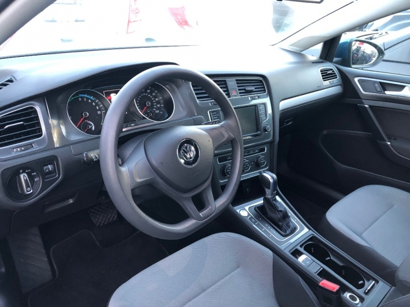 Volkswagen e-Golf 2016 price $24,888