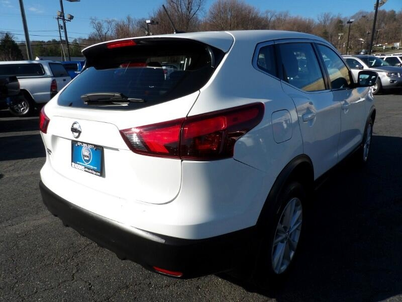 Nissan Rogue Sport 2017 price Call for Pricing.