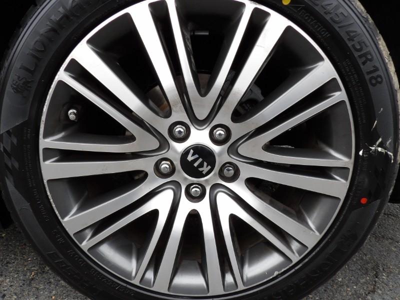 Kia Cadenza 2014 price $5,999
