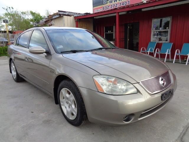 Nissan Altima 2004 price $3,695 Cash