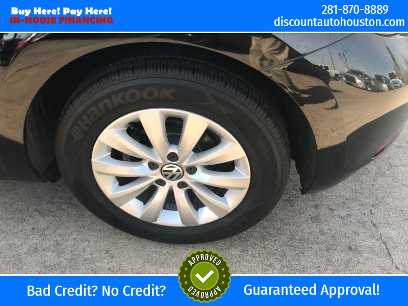 Volkswagen Beetle 2015 price $12,900
