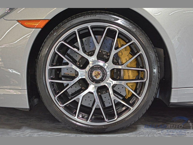 Porsche 911 2015 price $139,989