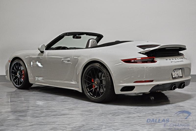 Porsche 911 2019 price $136,989