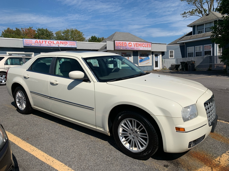 Chrysler 300-Series 2008 price $5,995