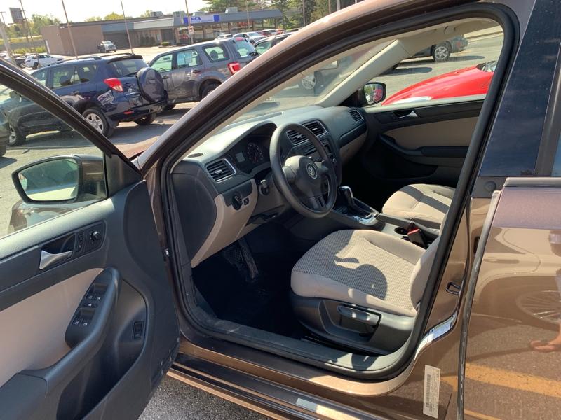 Volkswagen Jetta Sedan 2011 price $5,500