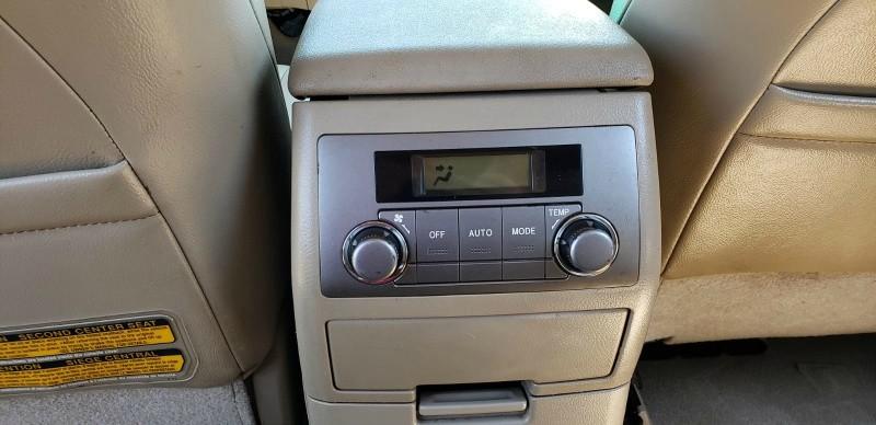 Toyota Highlander 2010 price $10,990