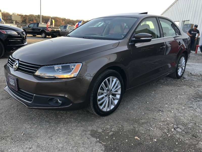 Volkswagen Jetta Sedan 2012 price $10,990
