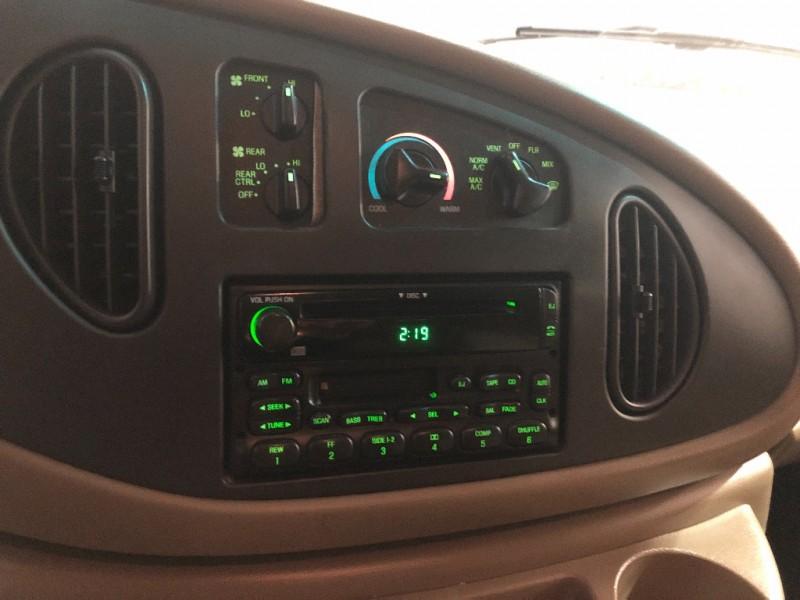 Ford Econoline Wagon 2003 price $7,990