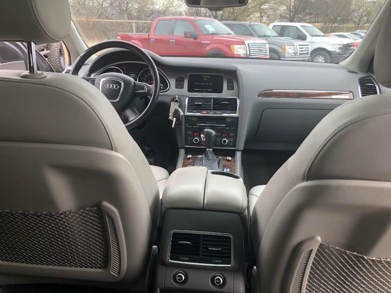 Audi Q7 2011 price $12,700