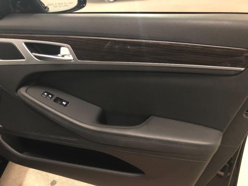 Hyundai Genesis 2015 price $15,990