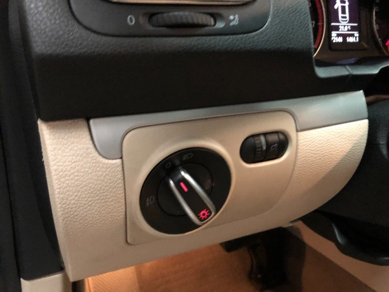 Volkswagen Eos 2012 price $9,690