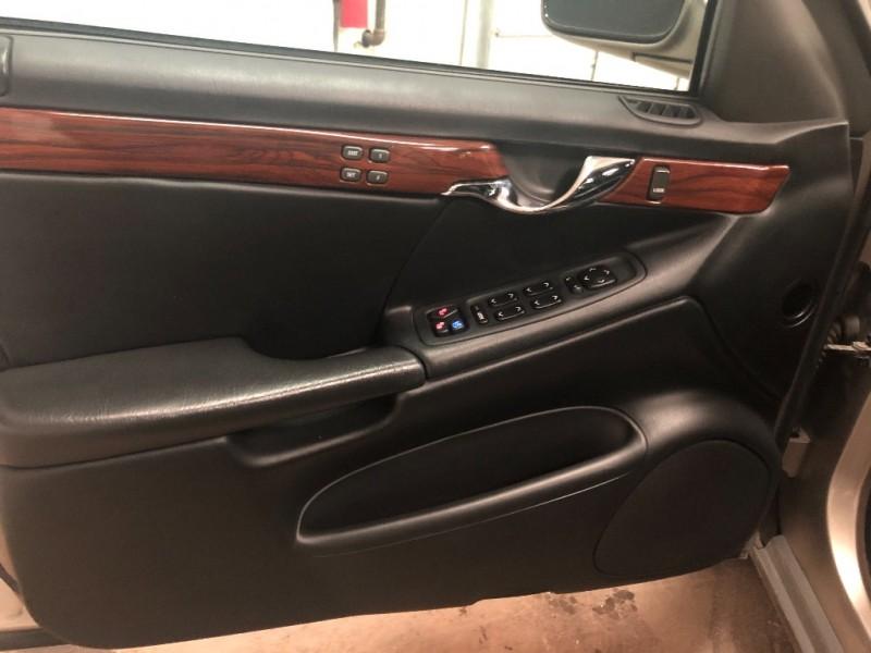 Cadillac DeVille 2004 price $5,890